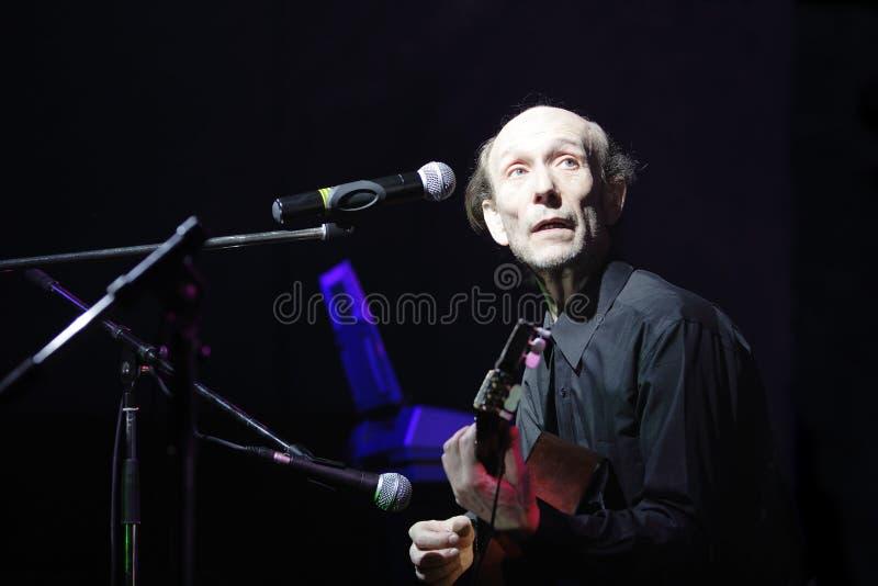 Download ηλικιωμένος μουσικός στοκ εικόνα. εικόνα από μικρόφωνο - 2226793