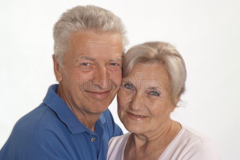 Ηλικιωμένο ζεύγος σε ένα λευκό στοκ εικόνες