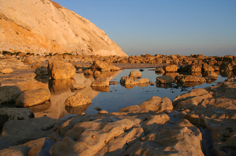 ηλιοβασίλεμα απότομων β&rho στοκ εικόνα με δικαίωμα ελεύθερης χρήσης