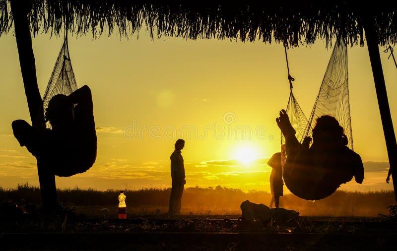 Ηλιοβασίλεμα από την αιώρα στοκ εικόνες