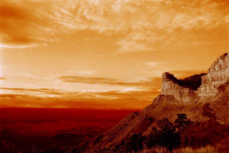 ηλιοβασίλεμα βουνών ερήμων στοκ εικόνα με δικαίωμα ελεύθερης χρήσης