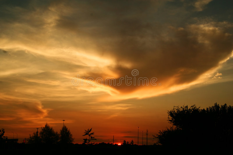 ηλιοβασίλεμα ζωής πόλεω στοκ φωτογραφία