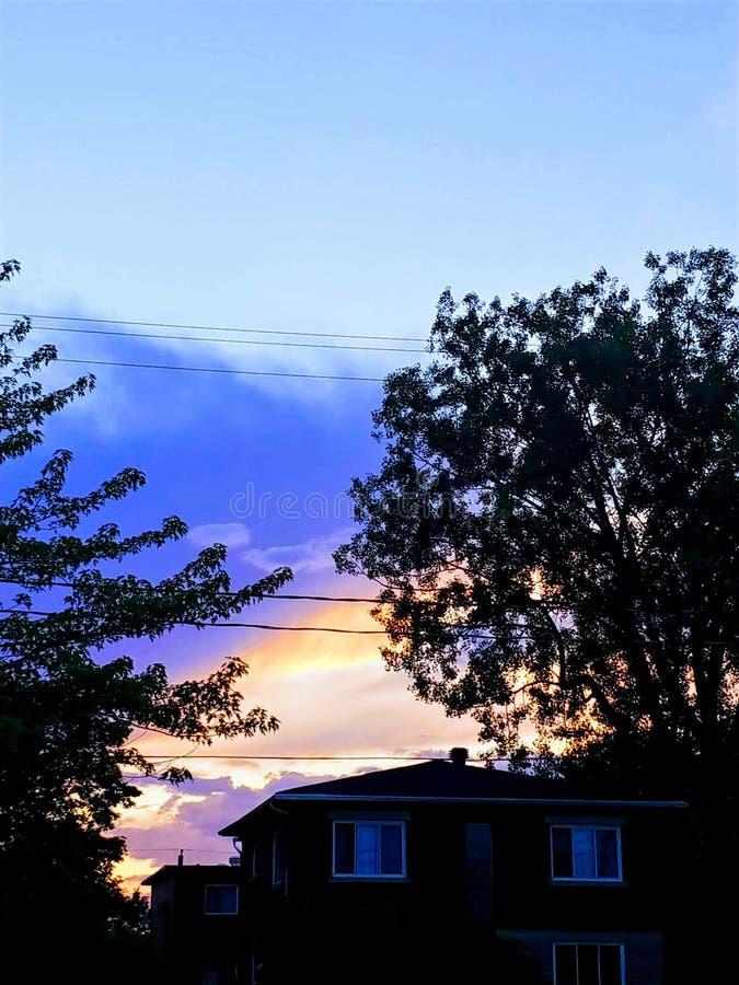Ηλιοβασίλεμα καψίματος στο Μόντρεαλ στοκ εικόνες με δικαίωμα ελεύθερης χρήσης