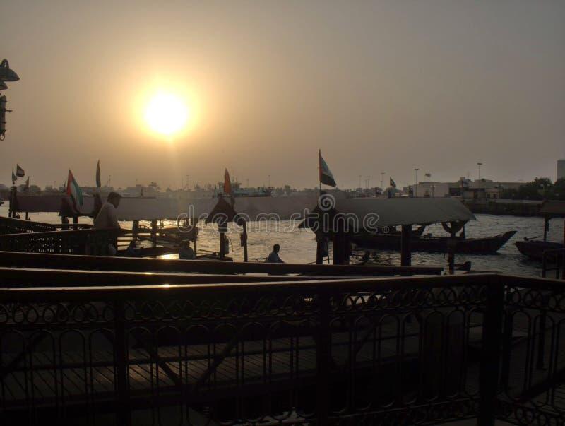 Ηλιοβασίλεμα κολπίσκου του Ντουμπάι στοκ εικόνες