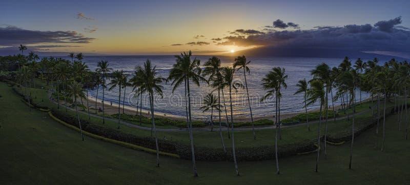 Ηλιοβασίλεμα κόλπων Kapalua στοκ εικόνα