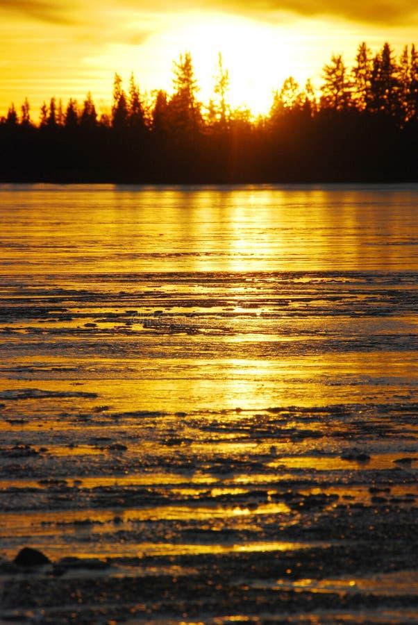 ηλιοβασίλεμα λιμνών πάγου στοκ φωτογραφία με δικαίωμα ελεύθερης χρήσης