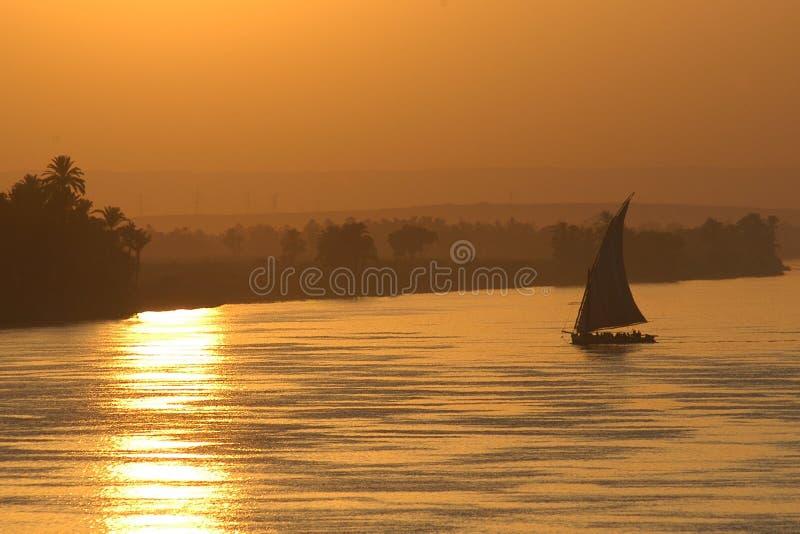 ηλιοβασίλεμα ναυσιπλοΐας στοκ φωτογραφία με δικαίωμα ελεύθερης χρήσης