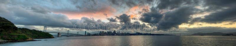 ηλιοβασίλεμα οριζόντων π στοκ φωτογραφία με δικαίωμα ελεύθερης χρήσης