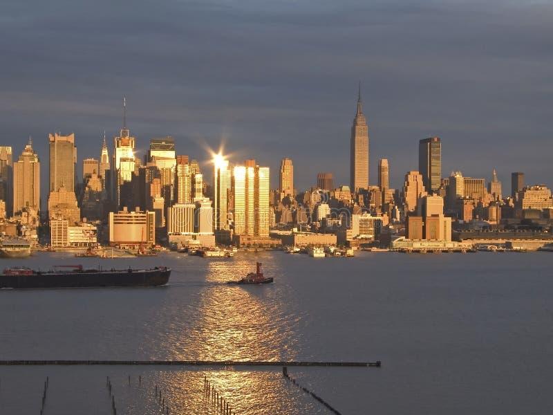 Download ηλιοβασίλεμα οριζόντων στοκ εικόνες. εικόνα από γυμνότερες - 123064
