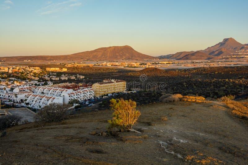 Ηλιοβασίλεμα πέρα από το ηφαίστειο Teide Tenerife στοκ εικόνες