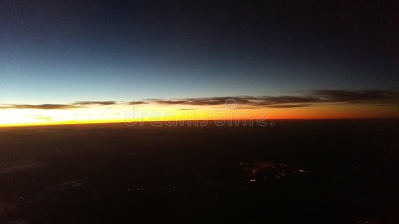 Ηλιοβασίλεμα πέρα από το Σάο Πάολο, Βραζιλία στοκ εικόνες