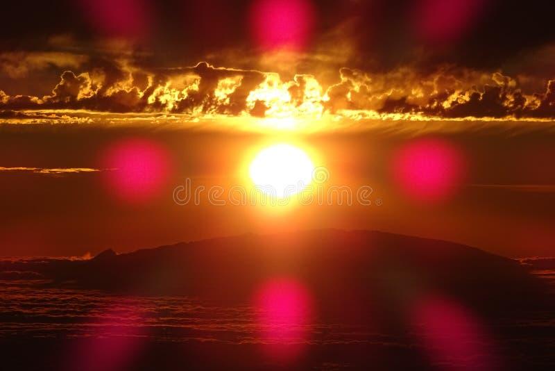 Ηλιοβασίλεμα πίσω από το Λα Palma στοκ φωτογραφία