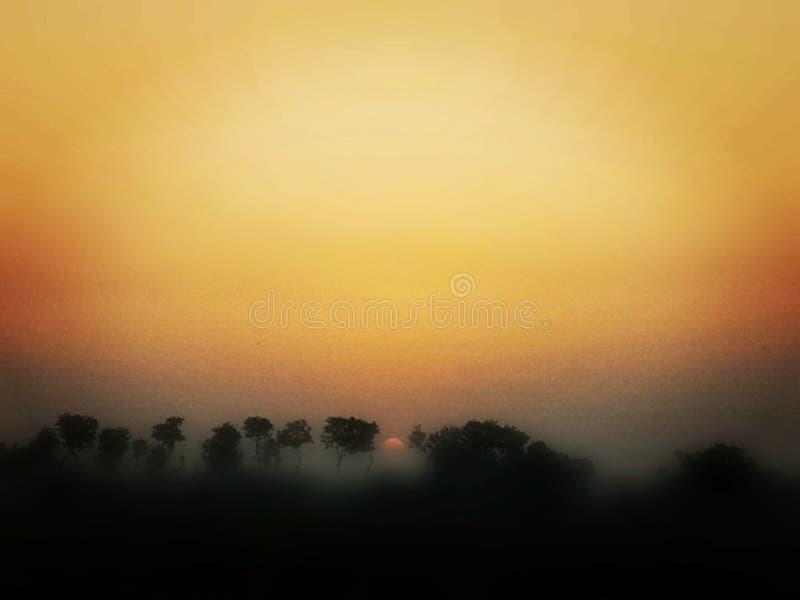 Ηλιοβασίλεμα που παρουσιάζει καταπληκτική επίδραση στοκ εικόνες