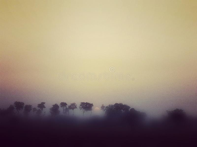 Ηλιοβασίλεμα που παρουσιάζει καταπληκτική επίδραση στοκ φωτογραφία