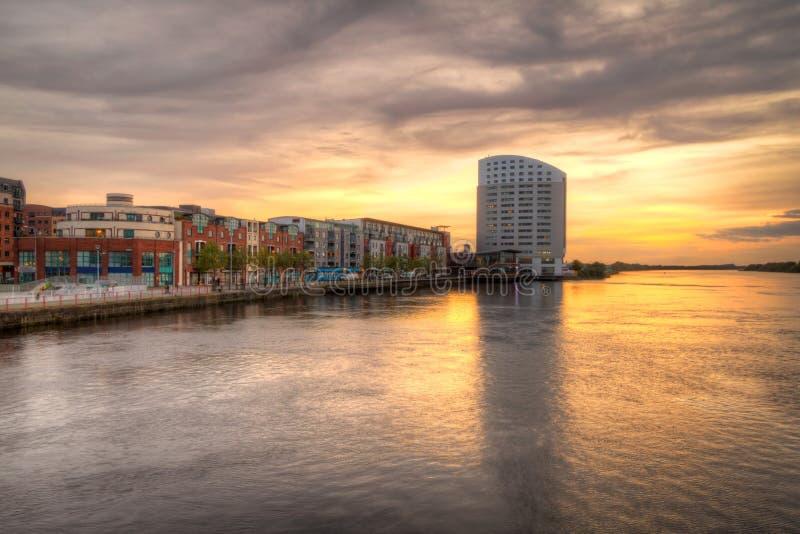 Ηλιοβασίλεμα πόλεων πεντάστιχων στοκ εικόνα
