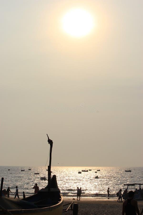 Ηλιοβασίλεμα σε Goa, Ινδικός Ωκεανός στοκ φωτογραφία