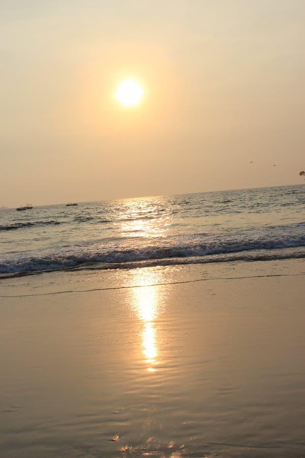 Ηλιοβασίλεμα σε Goa, Ινδικός Ωκεανός στοκ εικόνες