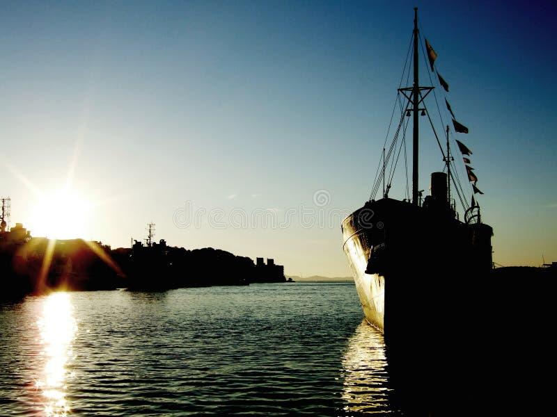 ηλιοβασίλεμα σκαφών στοκ φωτογραφία με δικαίωμα ελεύθερης χρήσης