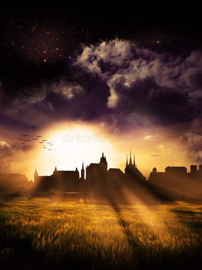Ηλιοβασίλεμα σκιαγραφιών πόλεων της Ερφούρτης στοκ εικόνα με δικαίωμα ελεύθερης χρήσης