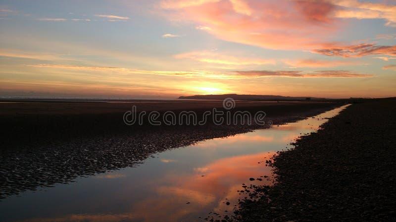 Ηλιοβασίλεμα στην επιφύλαξη λιμενικής φύσης σίκαλης στοκ φωτογραφία