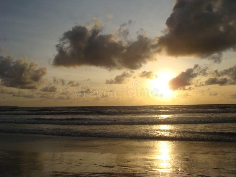 Ηλιοβασίλεμα στην παραλία Kuta, νησί του Μπαλί στοκ εικόνες
