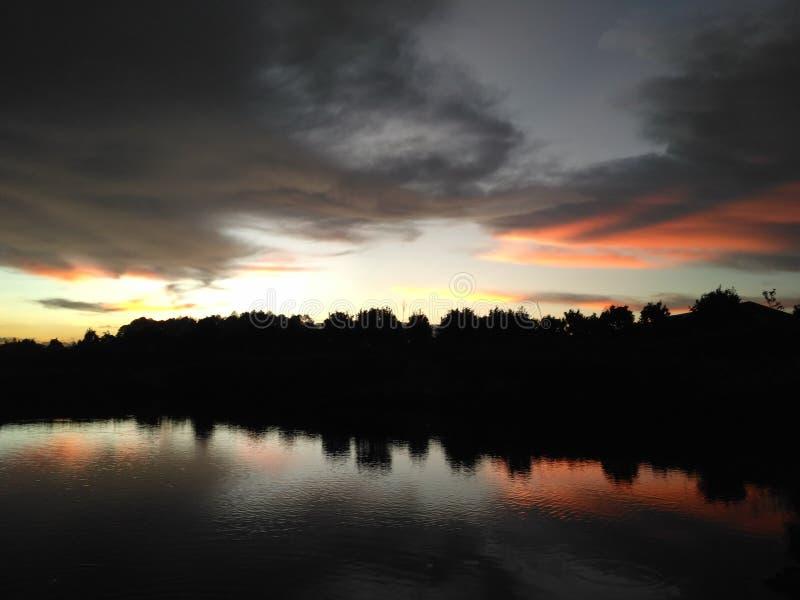 Ηλιοβασίλεμα στη γενέτειρα πόλη μου στοκ φωτογραφία με δικαίωμα ελεύθερης χρήσης