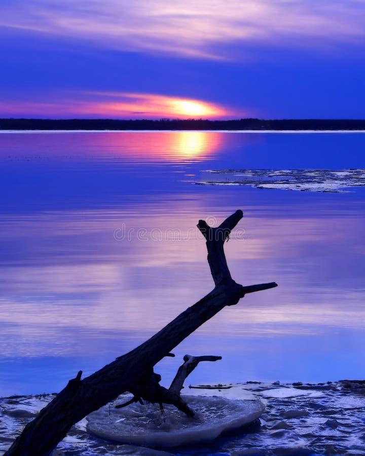 Ηλιοβασίλεμα στη γη του βορρά στοκ εικόνα με δικαίωμα ελεύθερης χρήσης
