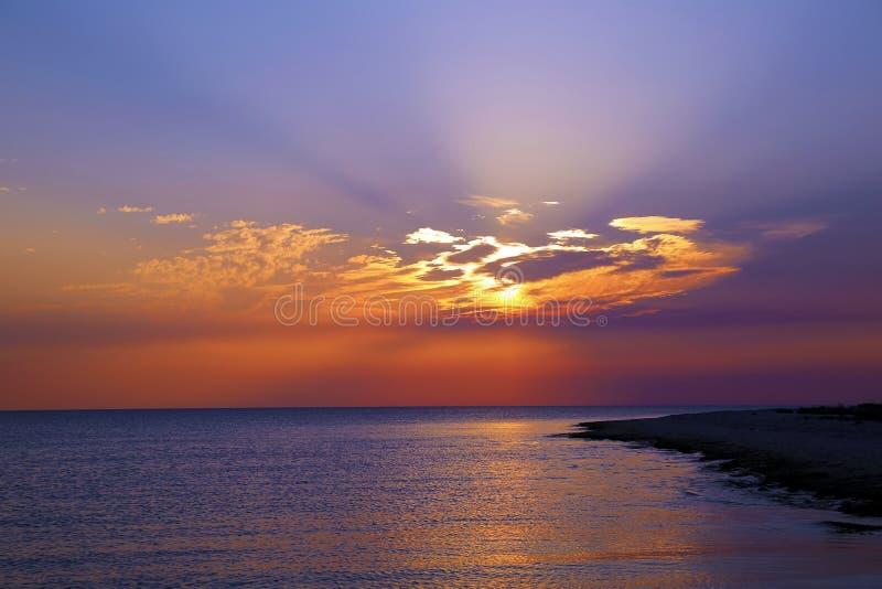 Ηλιοβασίλεμα στη θάλασσα στοκ εικόνα