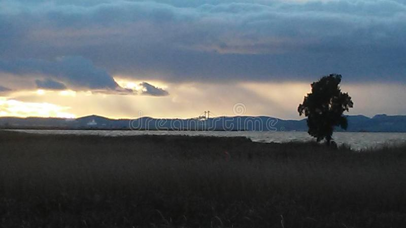 Ηλιοβασίλεμα στον κόλπο fransisco SAN στοκ φωτογραφία