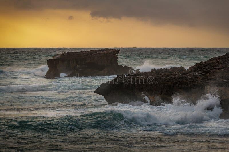 Ηλιοβασίλεμα στο ακρωτήριο στην τήβεννο, Νότια Αυστραλία στοκ εικόνες