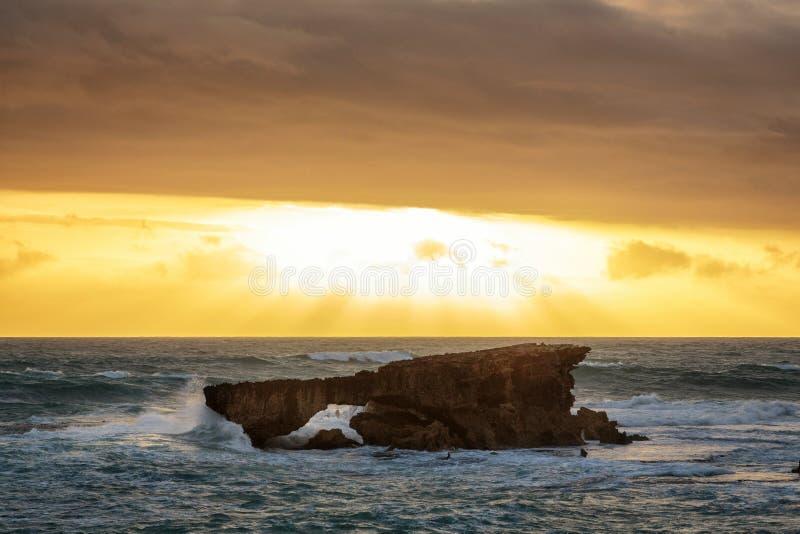 Ηλιοβασίλεμα στο ακρωτήριο στην τήβεννο, Νότια Αυστραλία στοκ φωτογραφίες με δικαίωμα ελεύθερης χρήσης