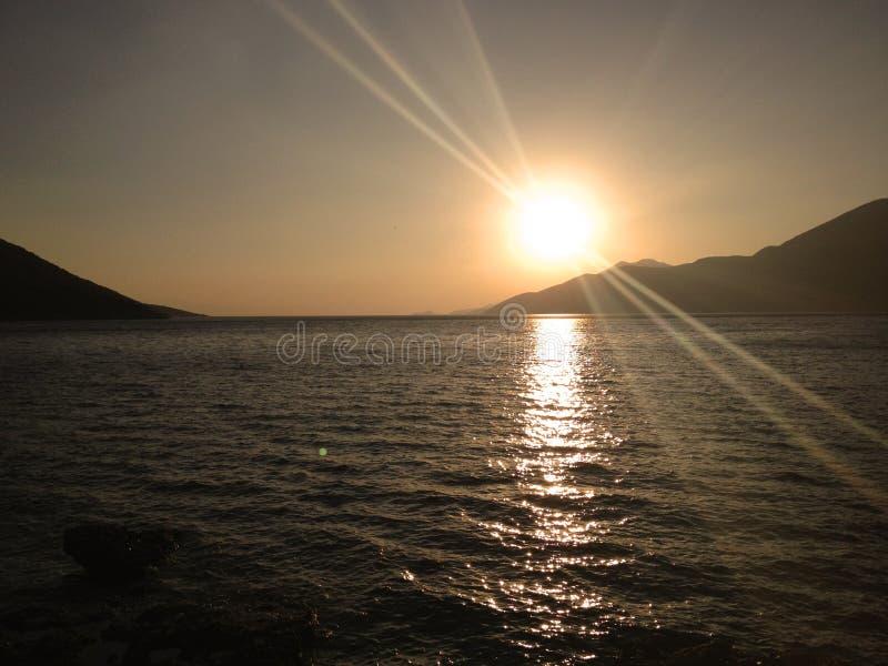 Ηλιοβασίλεμα στο Πόρτο Germeno - την Ελλάδα στοκ φωτογραφίες