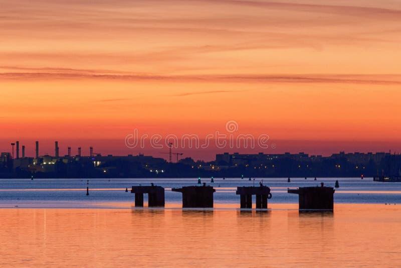 Ηλιοβασίλεμα στο $ροστόκ/τη Γερμανία στοκ φωτογραφία με δικαίωμα ελεύθερης χρήσης