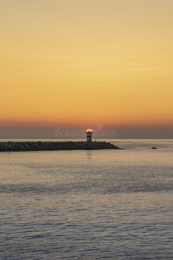 Ηλιοβασίλεμα στο φάρο στοκ φωτογραφία με δικαίωμα ελεύθερης χρήσης