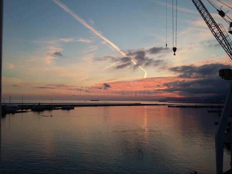 Ηλιοβασίλεμα στο χώρο εργασίας στοκ φωτογραφίες