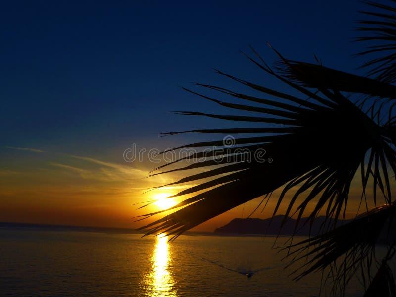 Ηλιοβασίλεμα στο manarola στοκ εικόνες