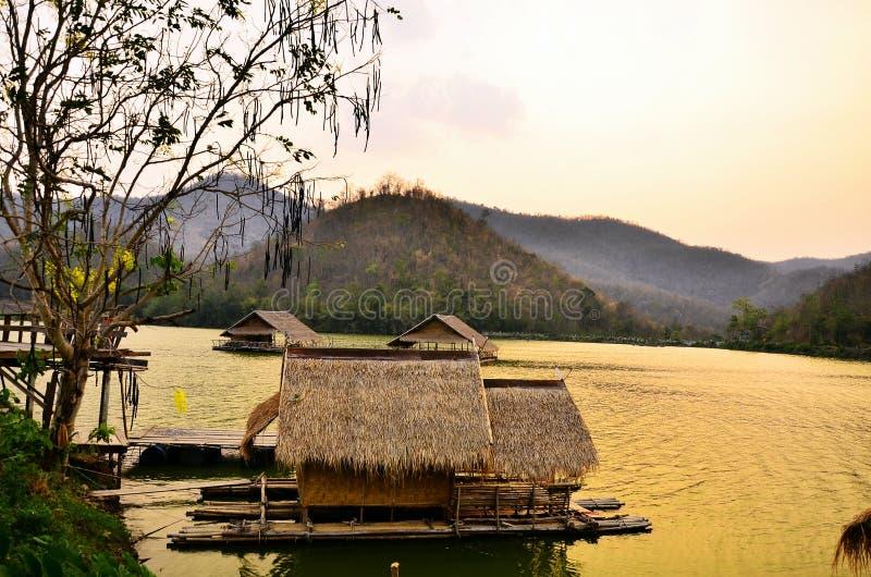 Ηλιοβασίλεμα στο Reservoir , Hub Kao Wong , Suphan Buri , Ταϊλάνδη στοκ φωτογραφίες με δικαίωμα ελεύθερης χρήσης