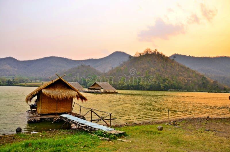 Ηλιοβασίλεμα στο Reservoir , Hub Kao Wong , Suphan Buri , Ταϊλάνδη στοκ εικόνα με δικαίωμα ελεύθερης χρήσης