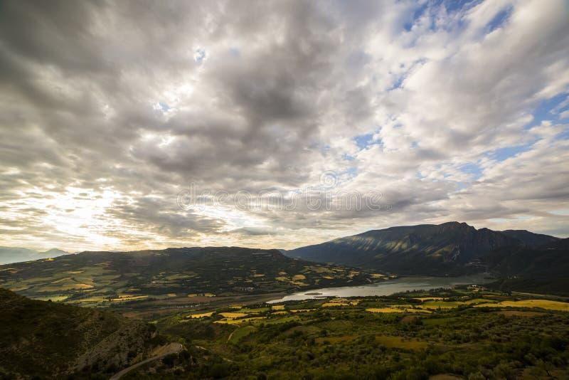 Ηλιοβασίλεμα στο Tremp, Lleida, Ισπανία στοκ εικόνες