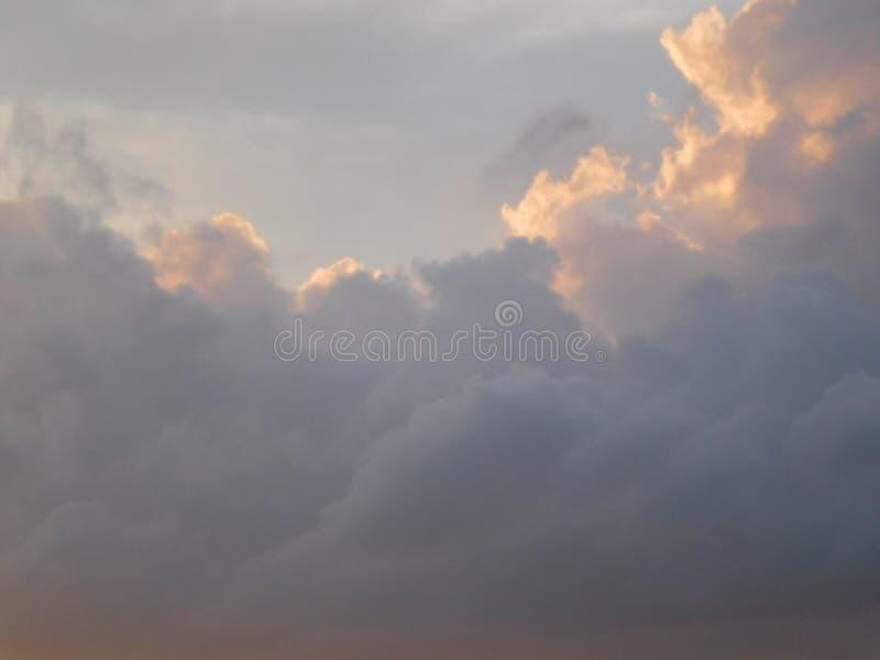 ηλιοβασίλεμα σύννεφων στοκ εικόνες