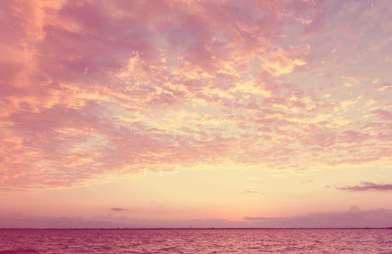ηλιοβασίλεμα της θάλασσας της Βαλτικής ανασκόπησης στοκ εικόνες με δικαίωμα ελεύθερης χρήσης