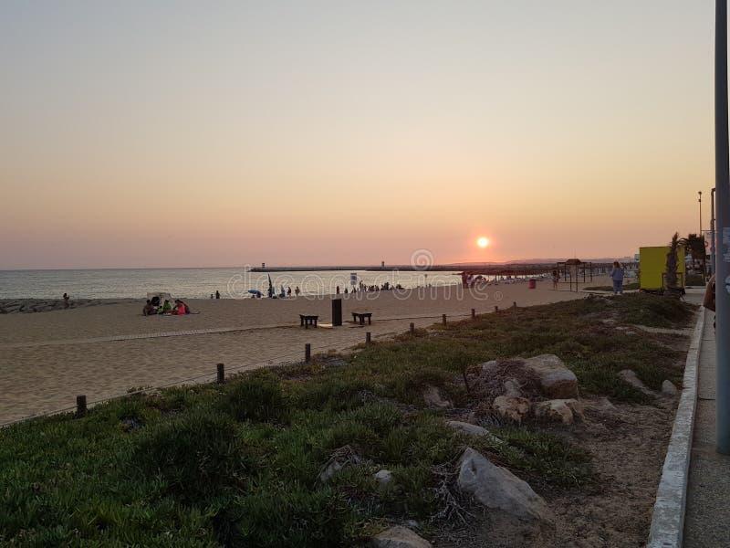 Ηλιοβασίλεμα της Πορτογαλίας Quarteira στοκ φωτογραφία