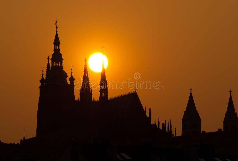 ηλιοβασίλεμα της Πράγας κάστρων στοκ φωτογραφία