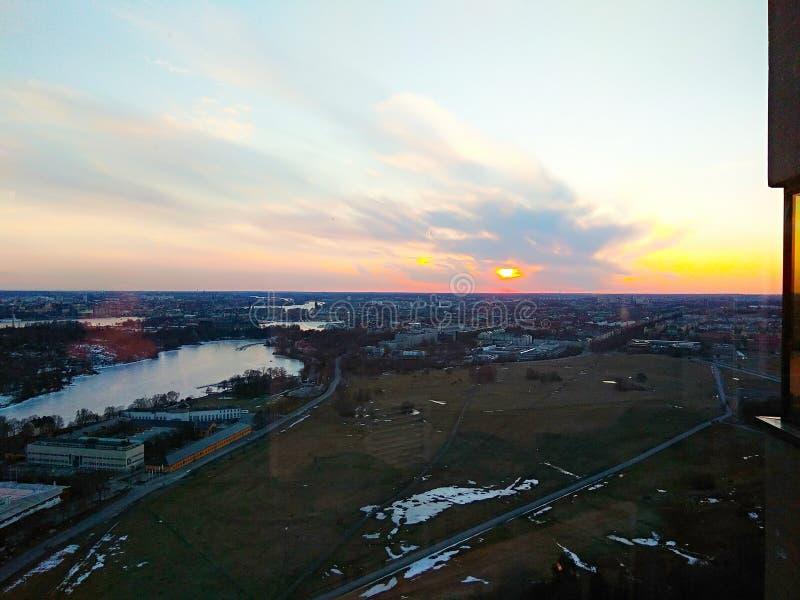 Ηλιοβασίλεμα της Στοκχόλμης Ευρώπη Kaknästornet άποψης στοκ εικόνα με δικαίωμα ελεύθερης χρήσης