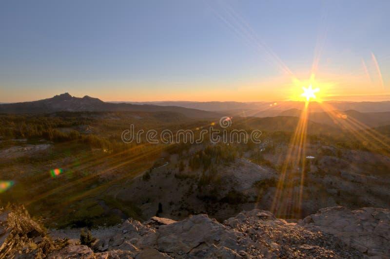ηλιοβασίλεμα του Όρεγκον βουνών στοκ φωτογραφίες με δικαίωμα ελεύθερης χρήσης
