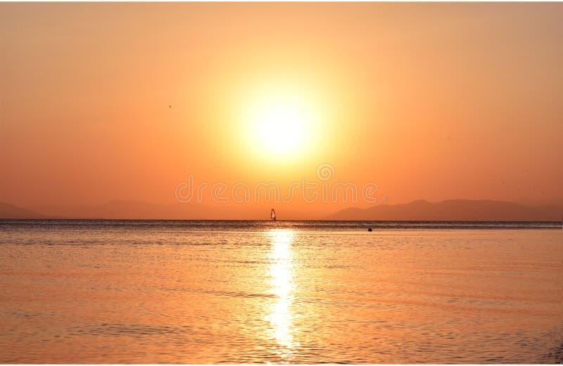 Ηλιοβασίλεμα το καλοκαίρι στοκ φωτογραφία με δικαίωμα ελεύθερης χρήσης