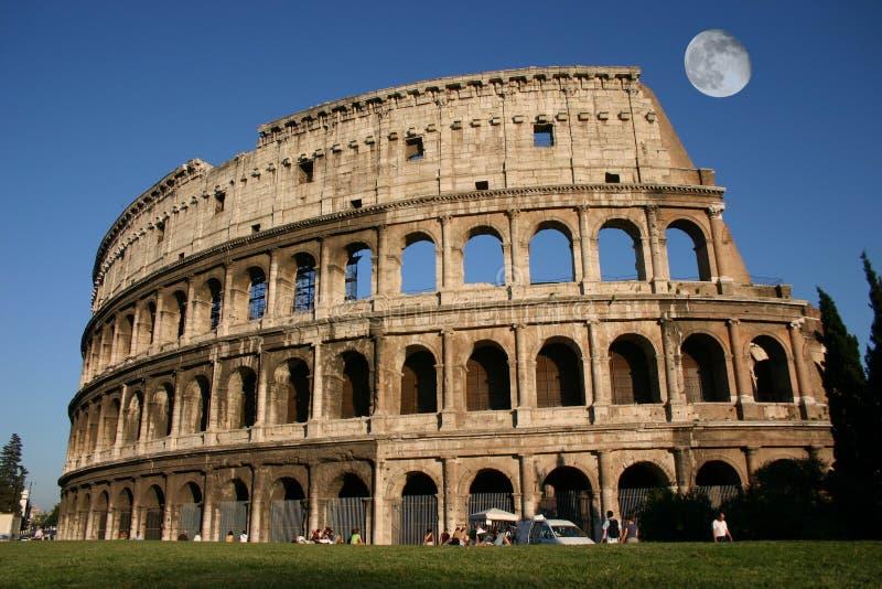 Download ηλιοβασίλεμα στοκ εικόνα. εικόνα από coliseum, αυτοκρατορία - 1529475