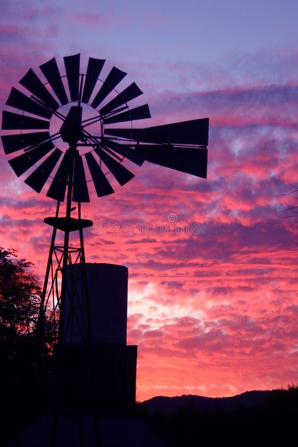 Download ηλιοβασίλεμα στοκ εικόνες. εικόνα από πύργος, ζωηρόχρωμος - 58184