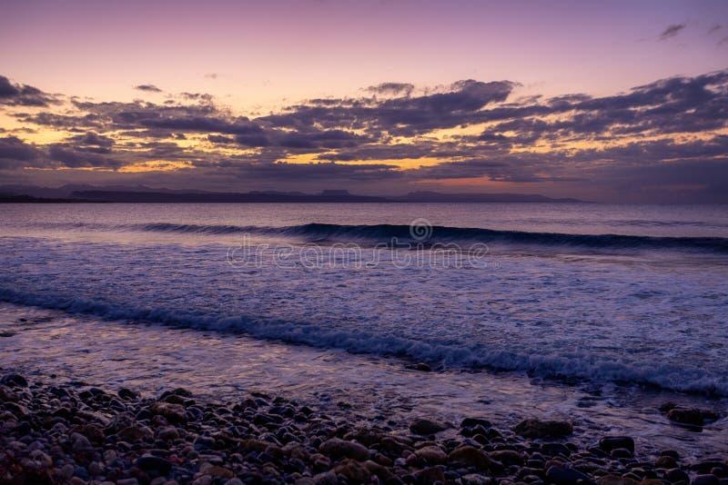 Ηλιοβασίλεμα Boca de Yumuri, Baracoa, Κούβα στοκ εικόνες