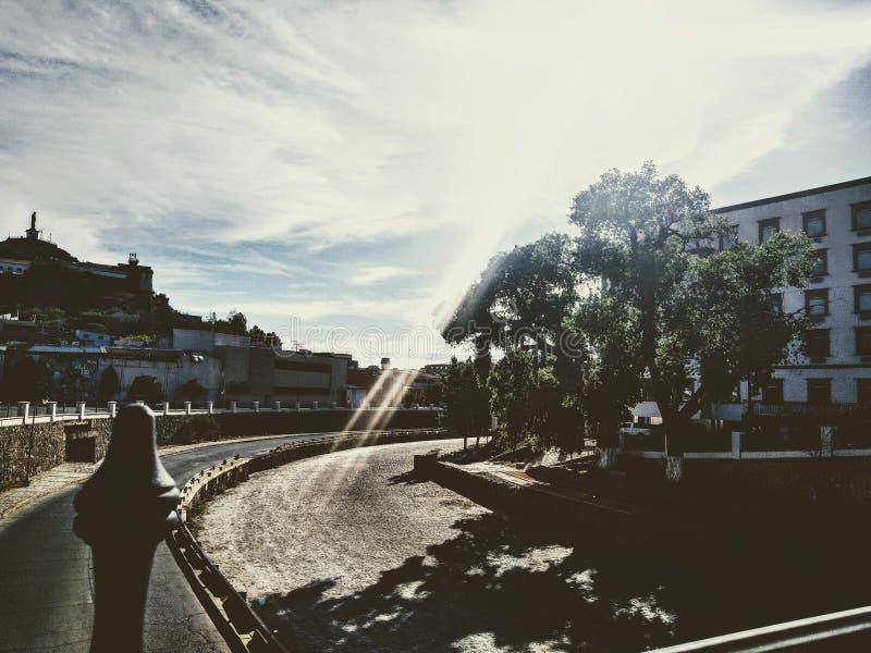 Ηλιόλουστη ημέρα στο κέντρο Hidalgo del Parral, Chihuahua στοκ φωτογραφίες με δικαίωμα ελεύθερης χρήσης